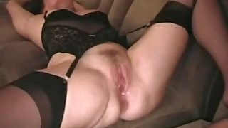 Mature bitch crimson pussy creampied